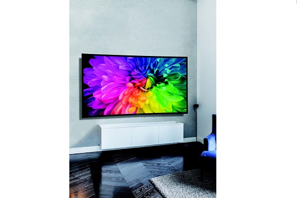 Ultra-high gain projection screens are now available in Australia